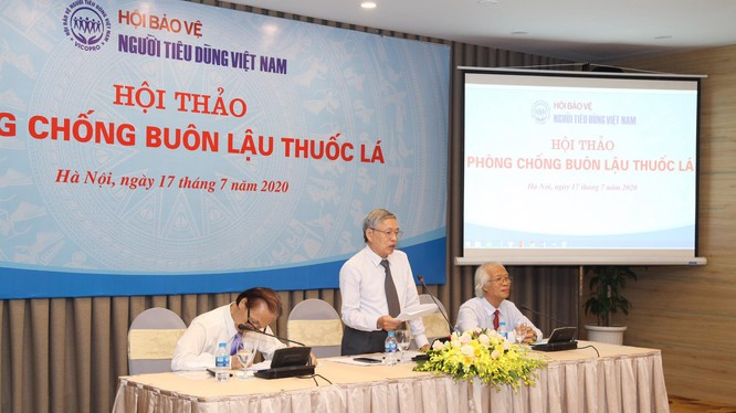 Ông Nguyễn Mạnh Hùng – Chủ tịch Hội Bảo vệ người tiêu dùng - phát biểu tại hội thảo (Ảnh: Mai Trinh)