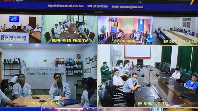 Tiểu ban Điều trị, Ban chỉ đạo Quốc gia phòng, chống dịch COVID-19 tiến hành hội chẩn quốc gia lần thứ 4 (Ảnh: Lê Hảo)