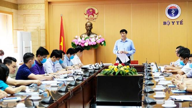 Quyền Bộ trưởng Bộ Y tế Nguyễn Thanh Long (Ảnh: Thu nguyệt)