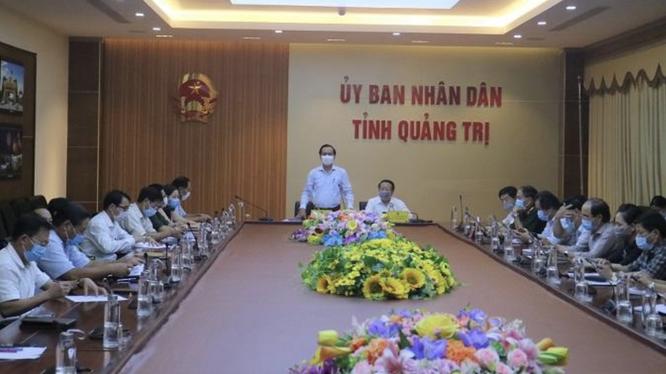 UBND tỉnh Quảng Trị họp bàn triển khai công tác phòng, chống dịch COVID-19 trong tình hình mới (Ảnh: Tiến Nhất - Cổng TTĐT tỉnh Quảng Trị)