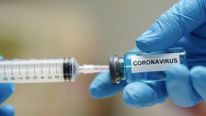 Thử nghiệm vaccine phòng COVID-19 (Ảnh minh hoạ)