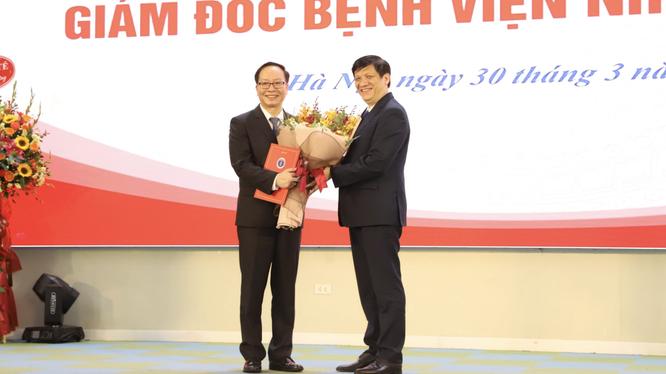 Bộ trưởng Bộ Y tế Nguyễn Thanh Long đã bổ nhiệm PGS.TS.TTND.Trần Minh Điển làm giám đốc Bệnh viện Nhi Trung ương (Ảnh - BVCC)