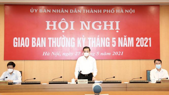 Ông Chu Ngọc Anh - Chủ tịch UBND TP. Hà Nội - chủ trì hội nghị giao ban thường kỳ (Ảnh - Xuân Hải)