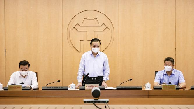 Ông Chu Ngọc Anh – Chủ tịch UBND TP. Hà Nội - chủ trì cuộc họp (Ảnh - Trung Nguyên)