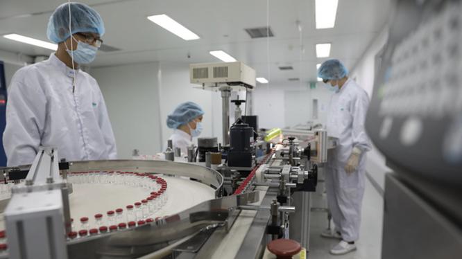 Băng chuyền đóng gói vaccine phòng COVID-19 Sputnik V ở Vabiotech (Ảnh - Vabiotech)