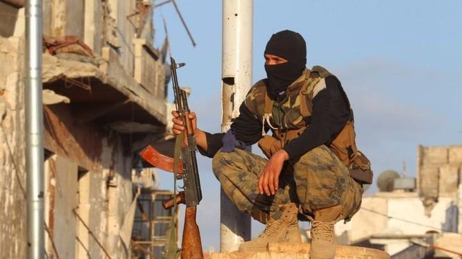 Thành viên trong nhóm khủng bố HTS tại tỉnh Idlib, Syria.