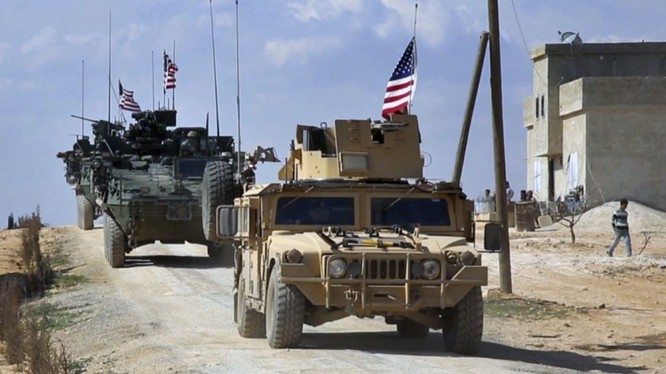 Quân đội Mỹ tại ngoại ô Manbij, Syria.