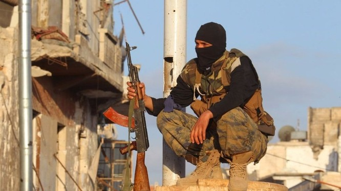 Một tay súng HTS tại Idlib.