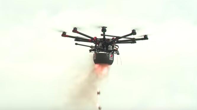 Một chiếc UAV có chứa chất độc hóa học.