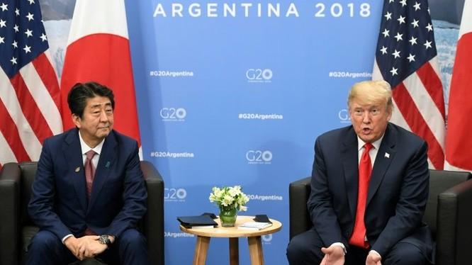 Thủ tướng Nhật Bản Shinzo Abe và tổng thống Hoa Kỳ Donald Trump.