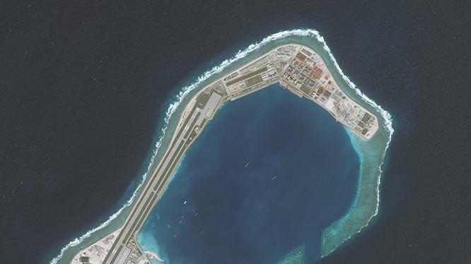 Đường băng và những cấu trúc mà Trung Quốc xây dựng phi pháp trên đá Subi thuộc quần đảo Trường Sa của Việt Nam.