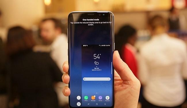 Samsung Galaxy S8 với chế độ một tay
