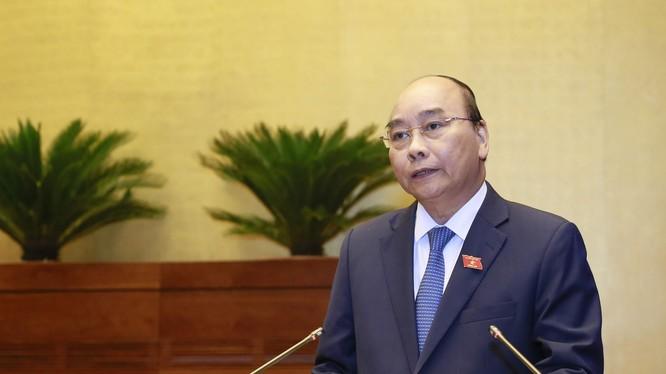 Thủ tướng Nguyễn Xuân Phúc giải trình trước Quốc hội.