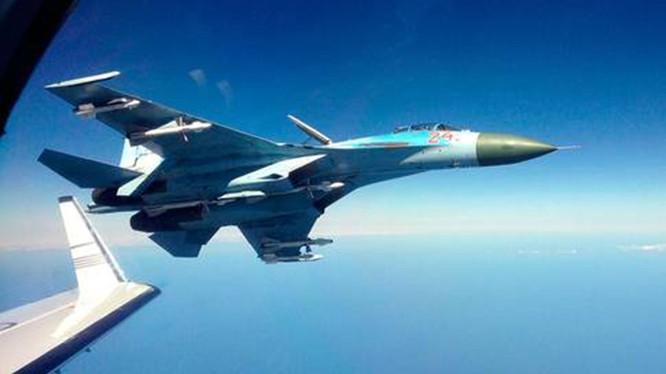 Máy bay tiêm kích Su-27 của Không quân Nga