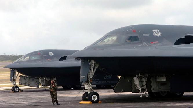 Máy bay ném bom tàng hình B-2 của Không quân Mỹ.