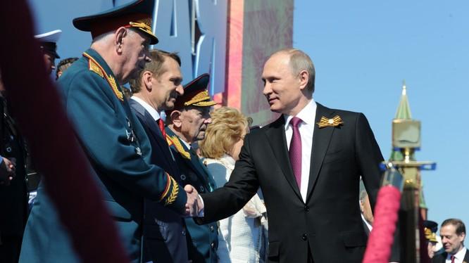 Putin hài lòng, ca ngợi diễu hành chiến thắng ở Moscow