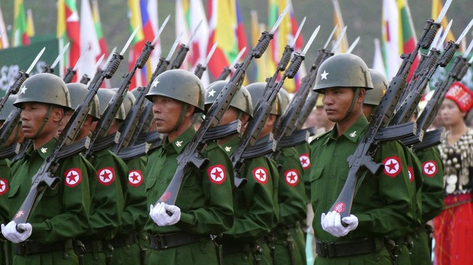 Quân đội Myanmar.