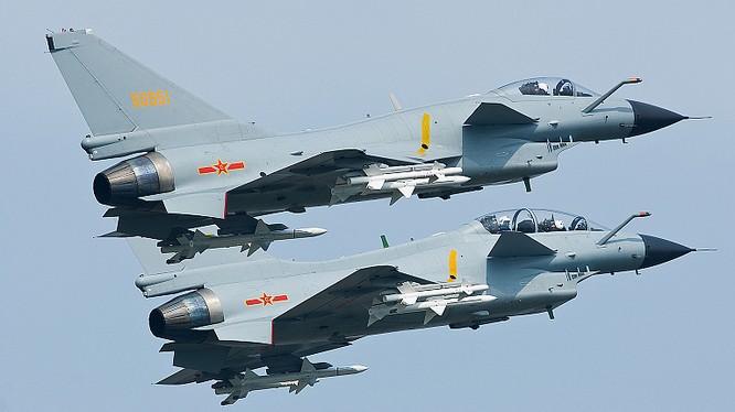 Máy bay chiến đấu Chengdu J-10A của PLA.