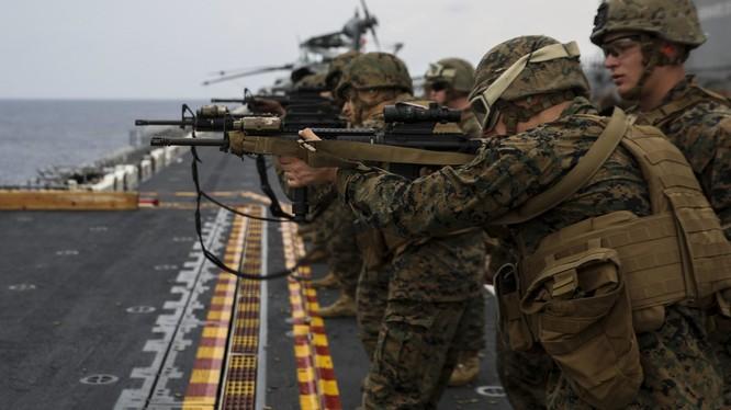 Thủy quân lục chiến Mỹ.