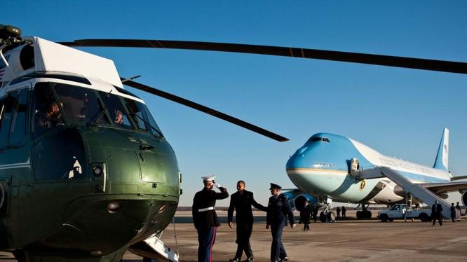 Căn cứ không quân để máy bay của ông Obama bị dọa đánh bom
