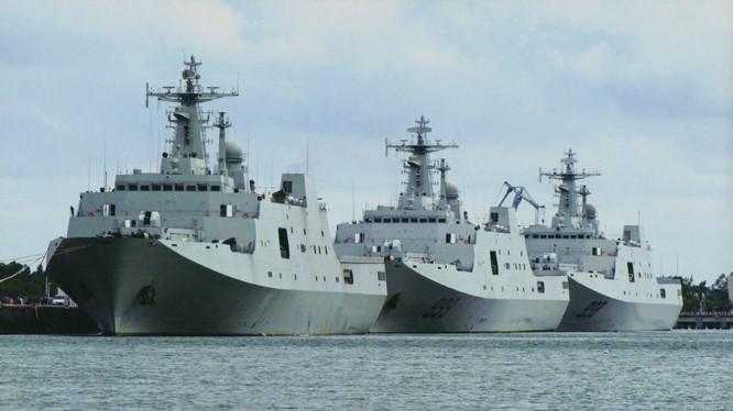 Các tàu đổ bộ cỡ lớn của PLA.