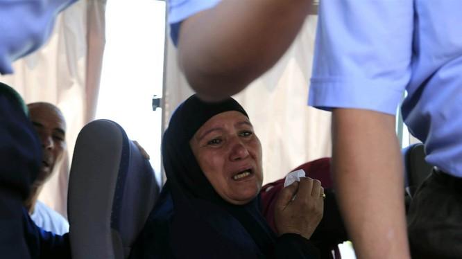 Người thân của các nạn nhân mất tích trên chuyến bay định mệnh.