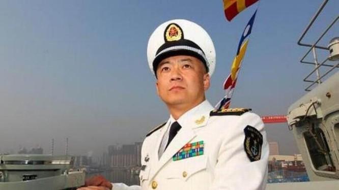 Trương Tranh, nguyên chỉ huy tàu sân bay Liêu Ninh, hiện đã được bổ nhiệm làm Trợ lý Tham mưu trưởng Hải quân Trung Quốc. Nguồn ảnh: Thời báo Hoàn Cầu, Trung Quốc.