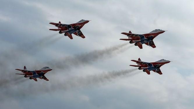 """Đội bay """"Cánh én"""" của Nga sẽ nhận được các máy bay mới"""