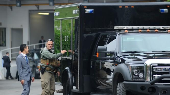 Soi cận cảnh đội cận vệ, đảm bảo an ninh của Tổng thống Obama tại Hà Nội