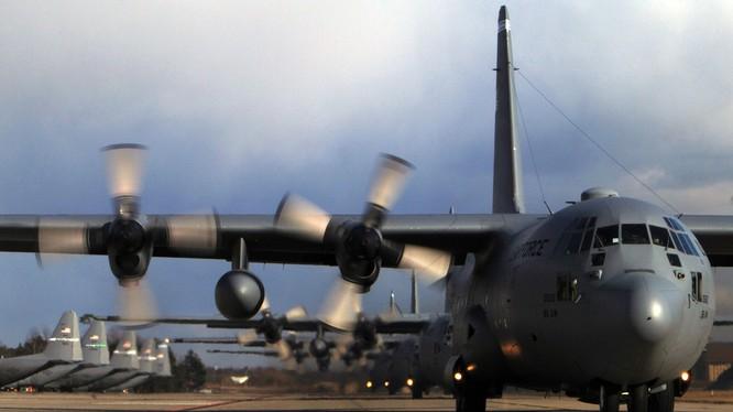 Vận tải cơ C-130 Hercules.