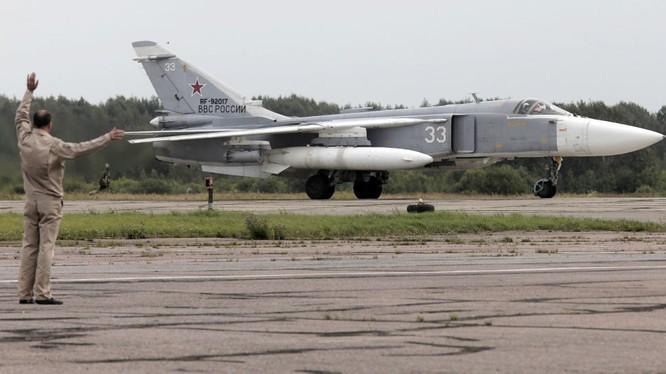 Máy bay SU-24M của Không quân Nga (ảnh Sputnik).