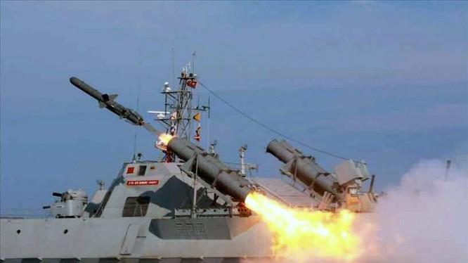 Tàu tên lửa của Bắc Triều Tiên.