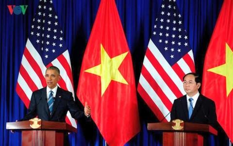 Tổng thống Mỹ Barack Obama và Chủ tịch nước Trần Đại Quang tại buổi họp báo chung ngày 23/5.