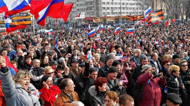 Thăm dò của Levada: Người Nga coi Trung Quốc là bạn, Mỹ là kẻ thù số 1