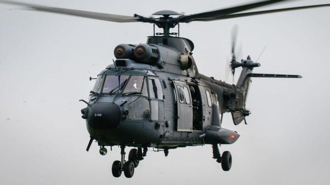 Trực thăng Cougar AS532.