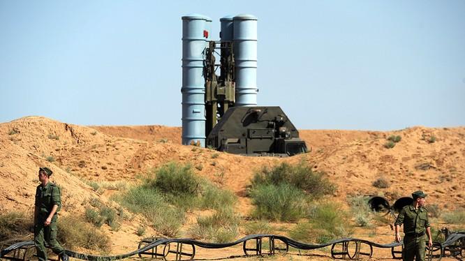 Tên lửa S-300 do Nga sản xuất.