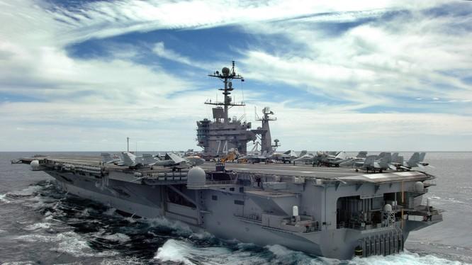 tàu sân bay USS John C. Stennis
