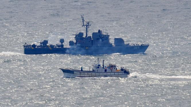 Quân đội Hàn Quốc, Mỹ bắt giữ tàu Trung Quốc trên Biển Hoàng Hải