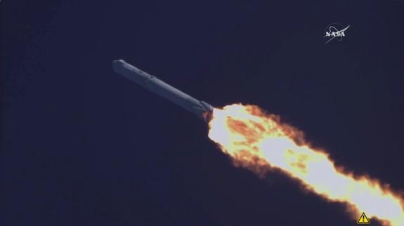 SpaceX chi trả cho các chính khách Mỹ chống lại động cơ tên lửa Nga