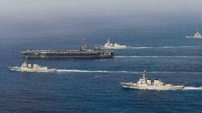 Cụm tấn công tàu sân bay USS John C. Stennis trên Thái Bình Dương ngày 2/5/2015. Ảnh tư liệu.