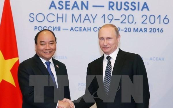 Thủ tướng Việt Nam Nguyễn Xuân Phúc hội kiến Tổng thống Liên bang Nga Vladimir Putin chiều 19/5/2016 tại thành phố Sochi, Nga. (Ảnh: Thống Nhất/TTXVN)