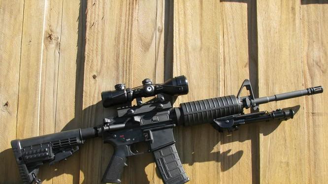 Vì sao các sát thủ tấn công đám đông ở Mỹ hay dùng súng trường AR-15?