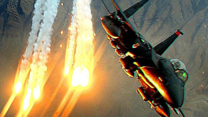 Tình hình Biển Đông căng thẳng cũng khiến cho nhiều quốc gia tăng chi phí mua sắm vũ khí quân sự.