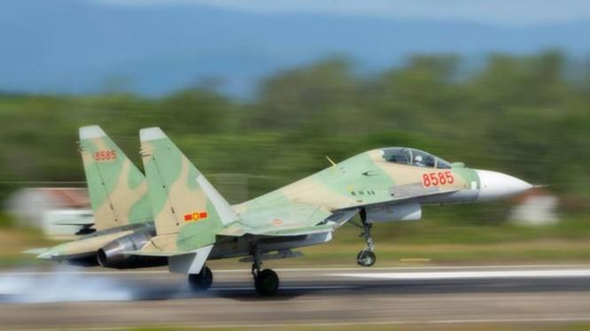 Máy bay chiến đấu Su-30MK2 của Không quân Việt Nam.
