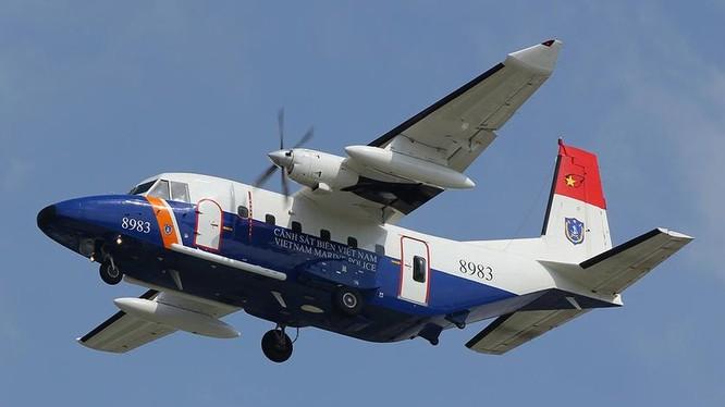 Máy bay tuần thám CASA-212 số hiệu 8983 của Lực lượng Cảnh sát biển Việt Nam.