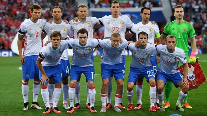 Dân mạng thu thập chữ ký đòi giải thể đội tuyển bóng đá Nga.
