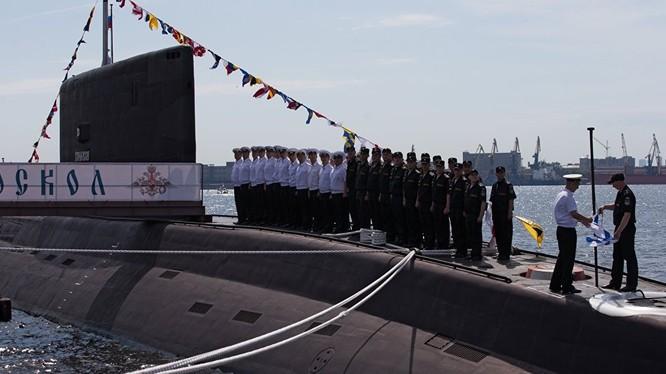 Tàu ngầm Kilo Staryi Oskol.
