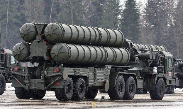 Tên lửa S-400.