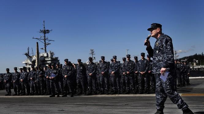 Binh sỹ Mỹ trên tàu sân bay (ảnh minh họa).