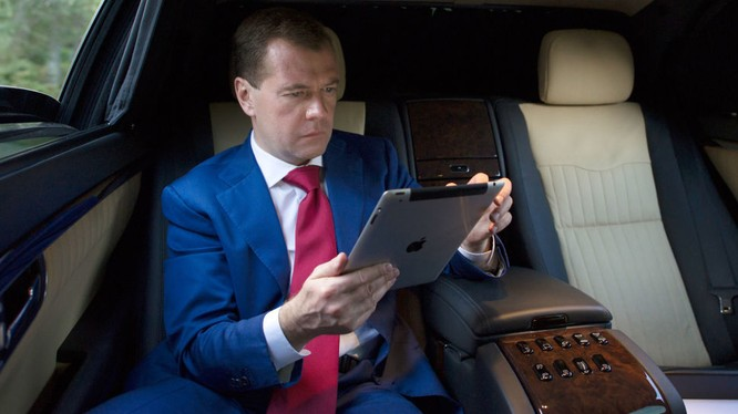 Thủ tướng Medvedev: Nga có thể tự cung tự cấp nuôi sống bản thân.